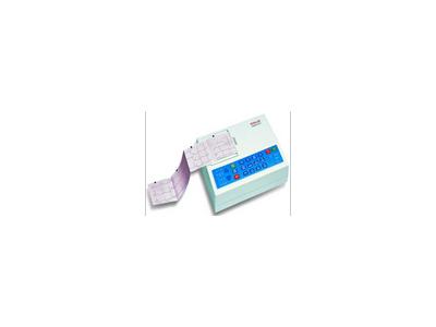 三导心电图机 CARDIOVIT AT-1
