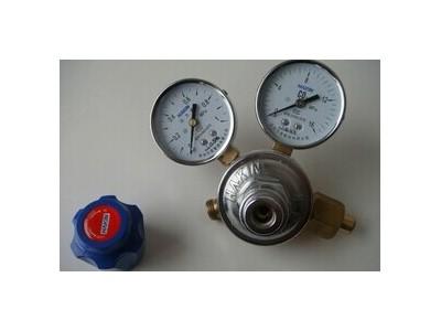 腹腔镜手术用的二氧化碳气腹机的减压阀