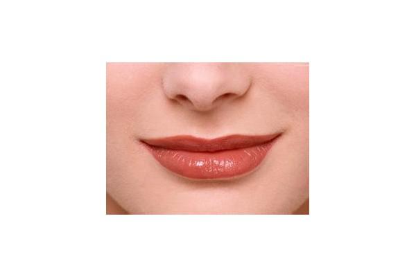 美容整形:揭秘衡量美唇四大美学标准