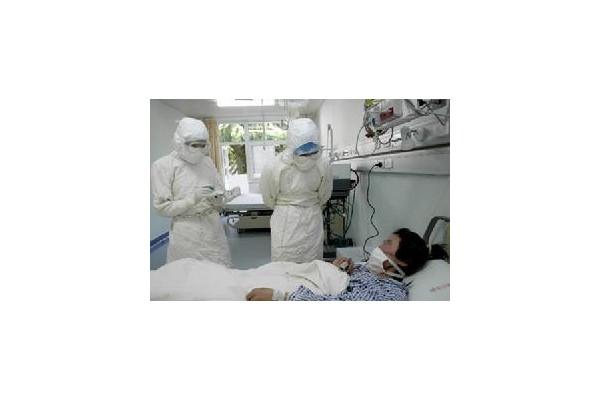 扬州市第三医院传染科用真情感染患者、驱散病毒