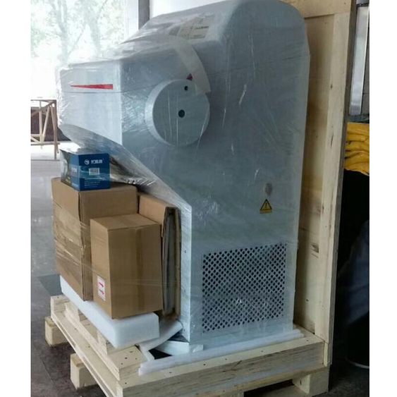 Freezing tissue rotary cryoatst microtome